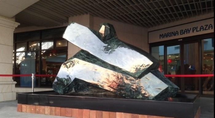 「十八藝 Eighteen ART」匯集「太極十八式」之各個招式之菁華,代表集結十八種武藝、十八種技藝、十八種創藝。是全球第一、也是世界唯一的「太極玉雕」作品。 The largest jade Taichi in the world.
